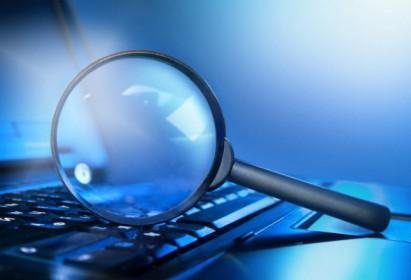 MENGEJUTKAN, Jasa Detektif Perselingkuhan Menemukan Ini photo magnifying lens on the laptop 1